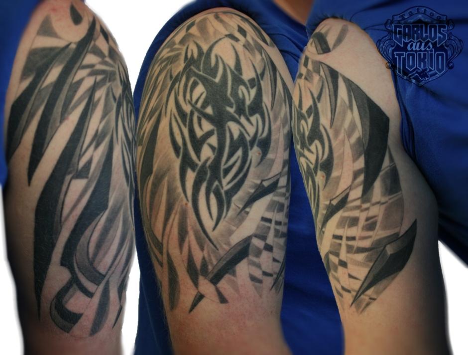 hybrid tattoo carlos aus tokio