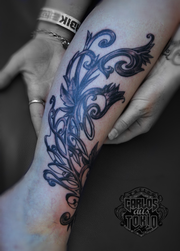 ornamental lettering tattoo2