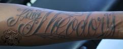 schriftzuge tattoo carlos aus tokio12