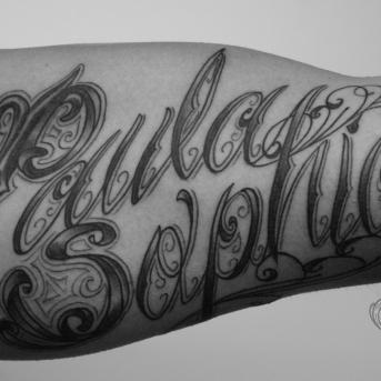 schriftzuge tattoo carlos aus tokio13