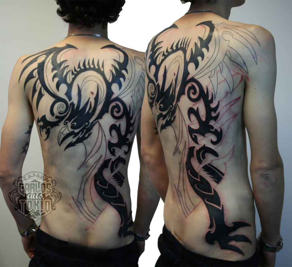 tribal dragon rucken tattoo carlos aus tokio