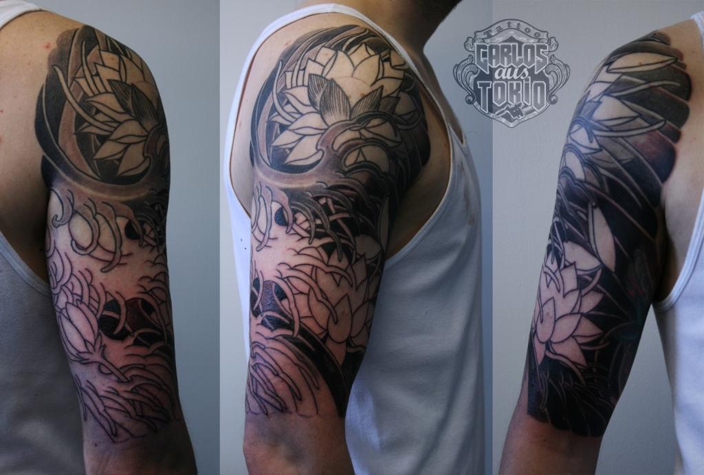 japanese tattoo lotus and wave2 蓮刺青
