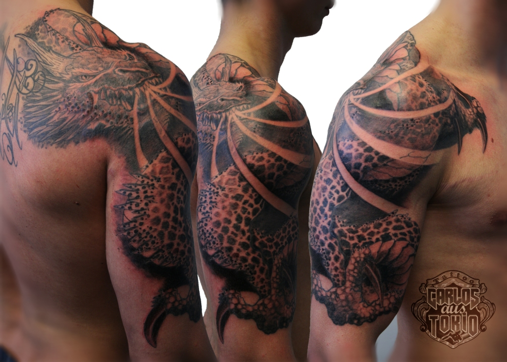 drache arm tattoo