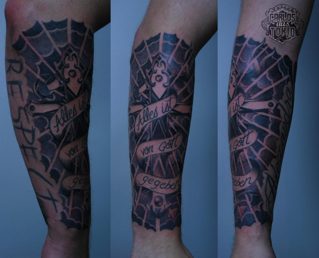 kreuz tattoo