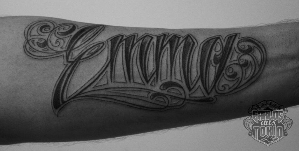 schriftzuge tattoo carlos aus tokio5