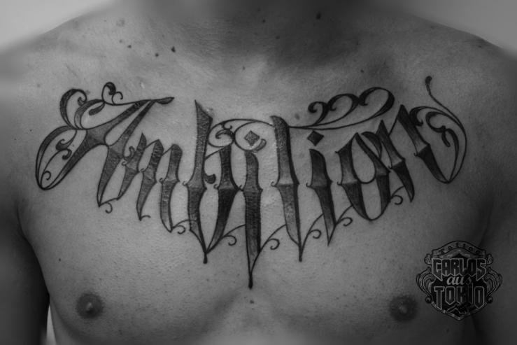 schriftzuge tattoo carlos aus tokio6