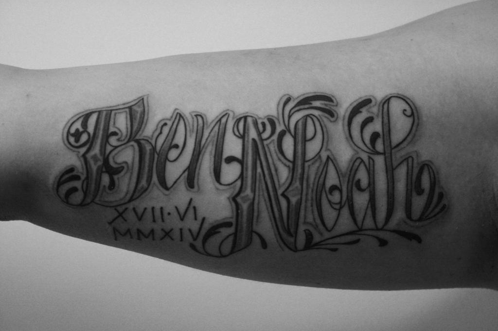 schriftzuge tattoo carlos aus tokio7