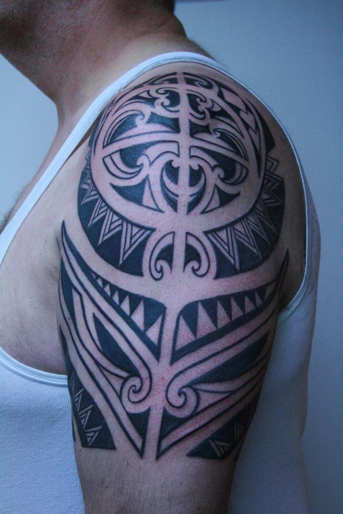 tribal black work tattoo deutschland5