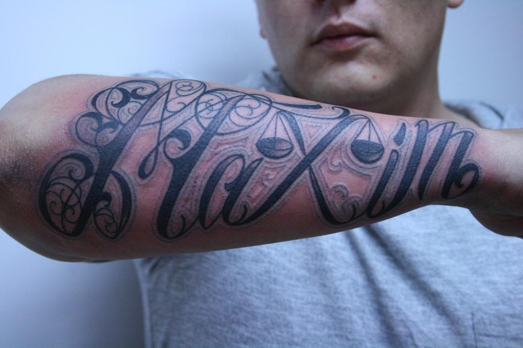 lettering schriftzuge tattoo