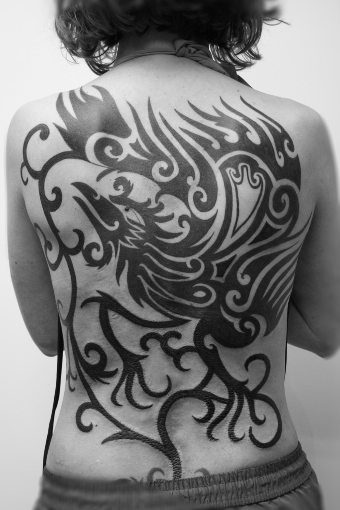 phoenix tattoo rucken frau1