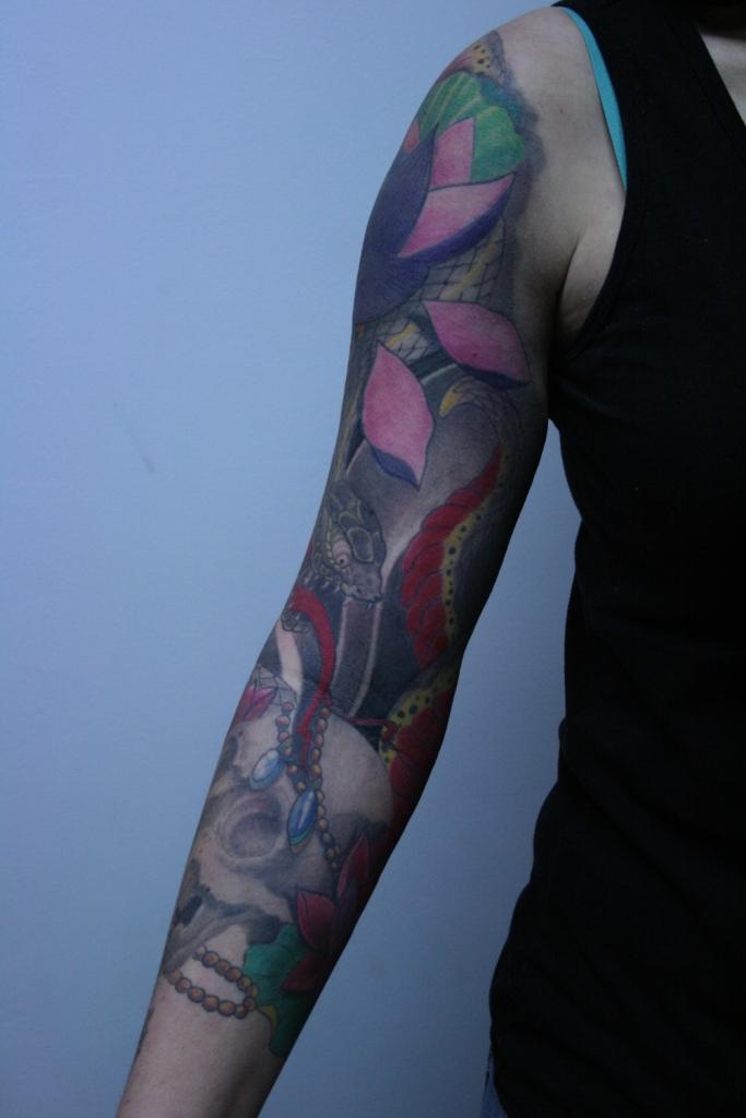 skull flower tattoo2
