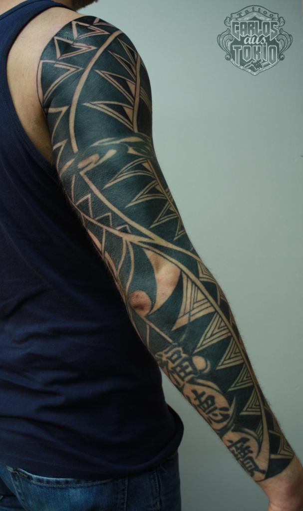 black work tattoo carlos aus tokio3