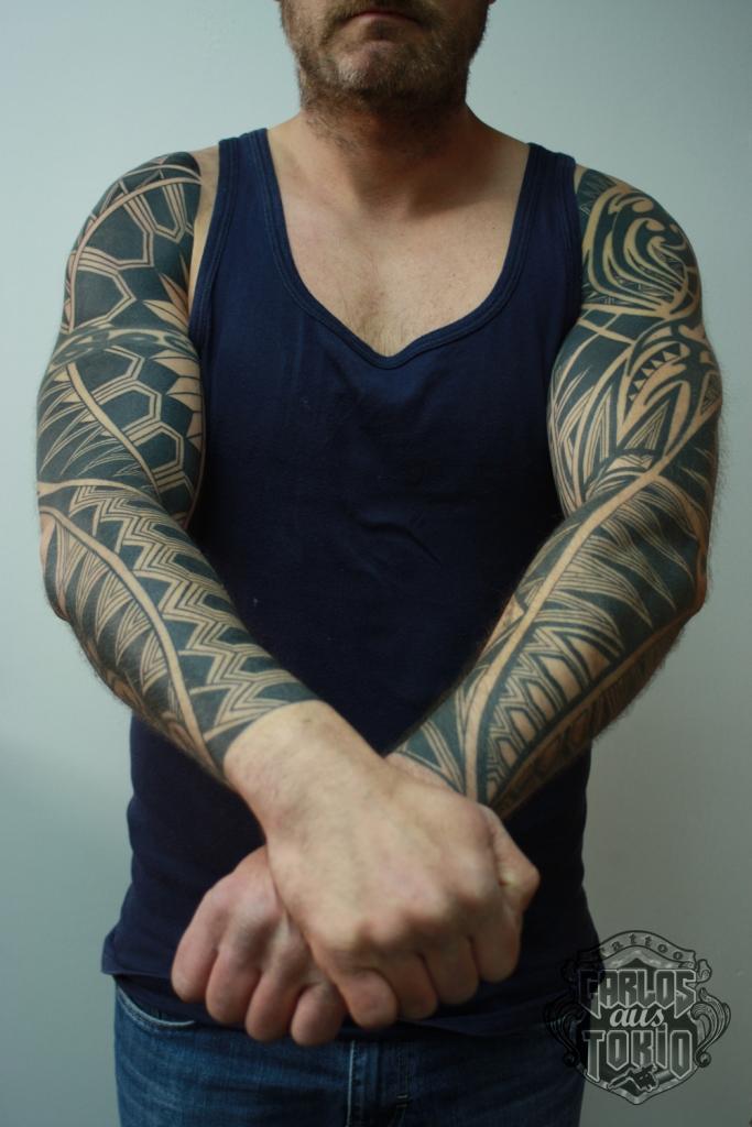 black work tattoo carlos aus tokio5