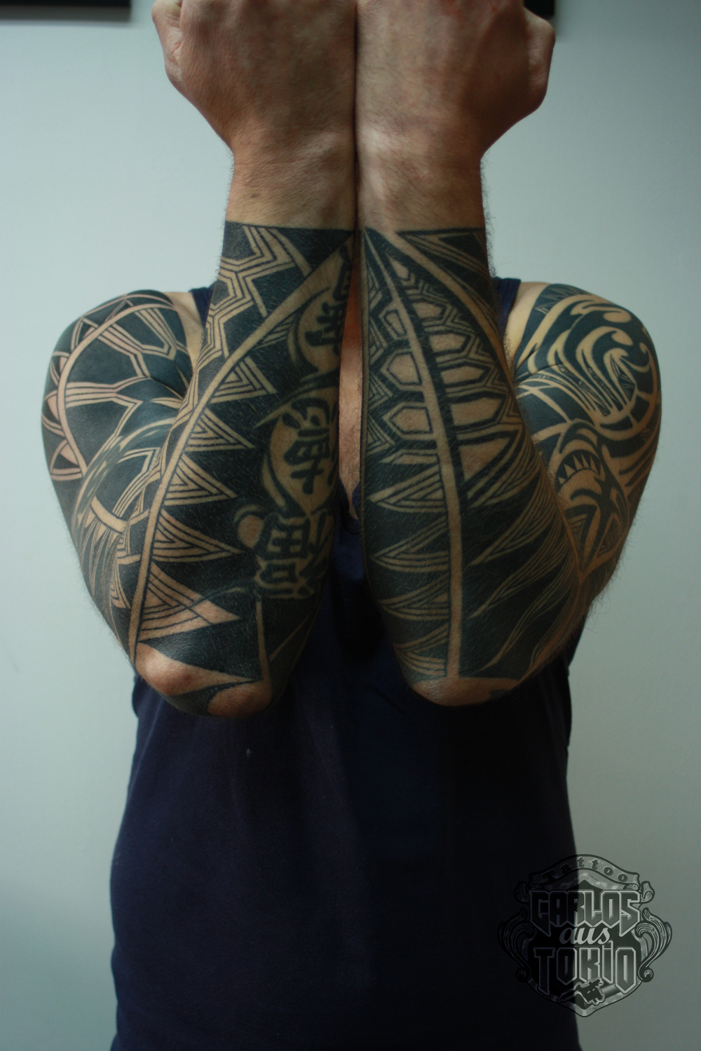 black work tattoo carlos aus tokio7
