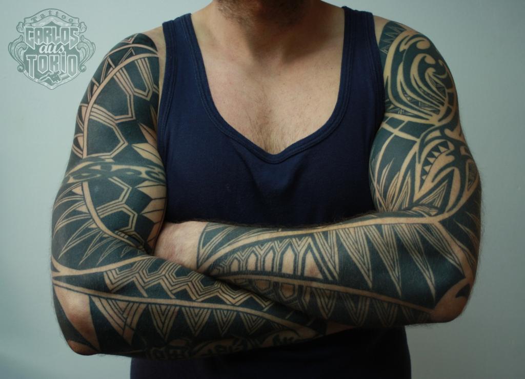 black work tattoo carlos aus tokio8