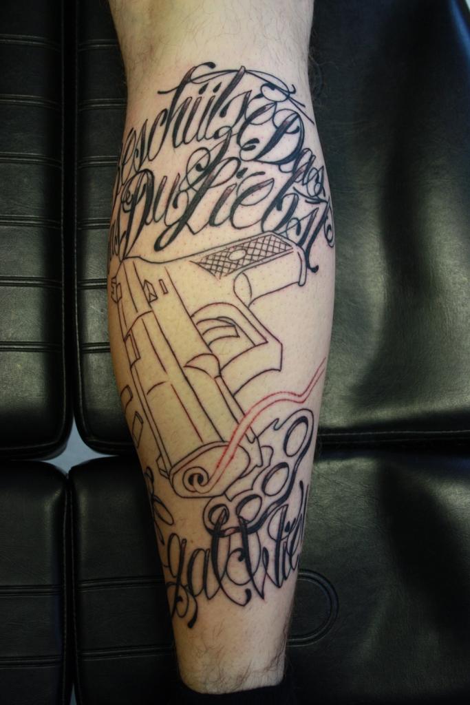 waffen-tattoo1
