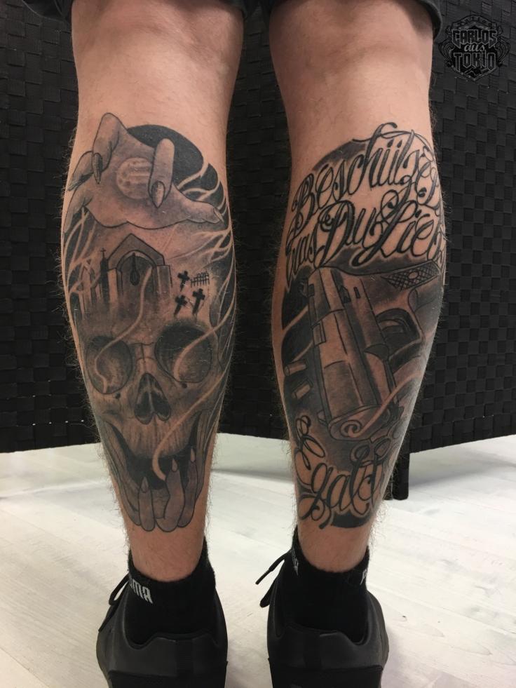 totenkopf-tattoo-bein-carlos-aus-tokio