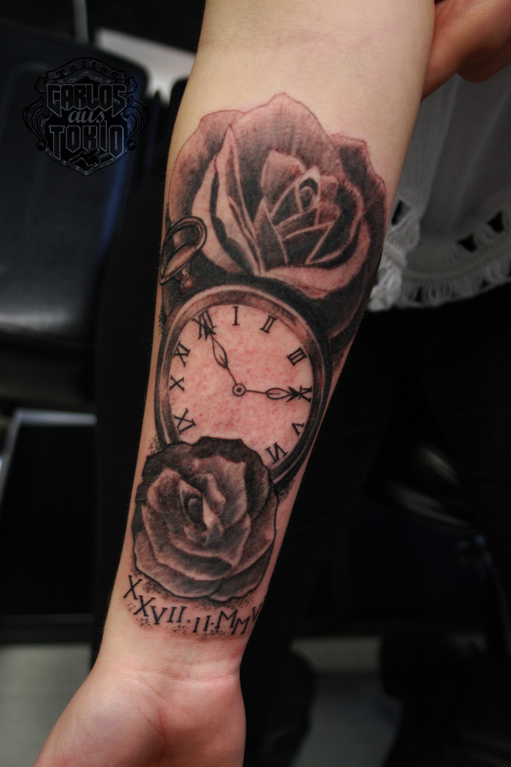 black-and-grey-rose-and-watch-tattoo1