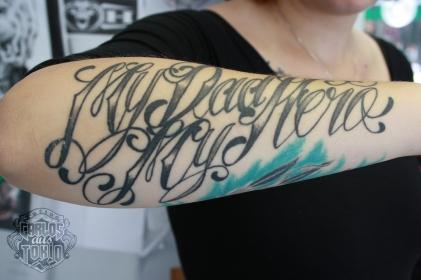 schriftzuge-tattoo-carlos-aus-tokio7