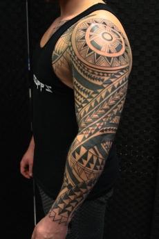 polynesian-tribal-tattoo-carlos-aus-tokio-2017b