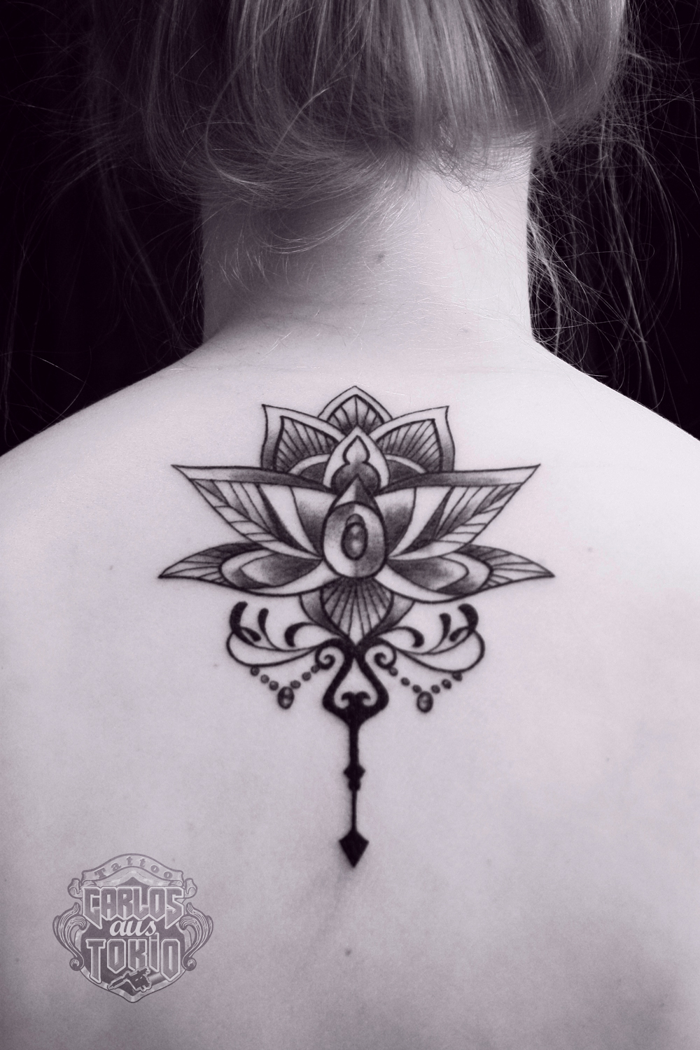 ornamental tattoo female2